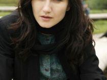 """Madalina Constantin este fiica nelegitima a lui State in lung-metrajul """"State de Romania – Student la Sorbona"""""""