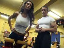 Un exercitiu pe zi cu Nicoleta: Ridicari pe banca, pentru fese perfect tonifiate!