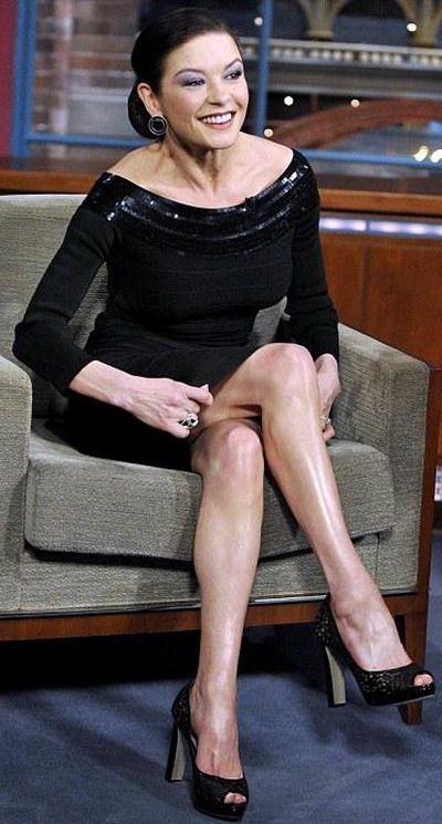 женщины с волосатыми ногами.фото