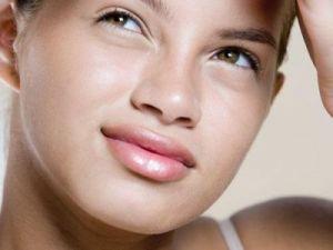 Probleme cu acneea? Iata cinci trucuri care sa te ajute sa scapi de ea