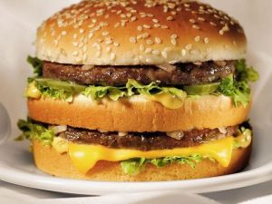 Cum se prepara un Big Mac. Chef-ul McDonald rsquo;s dezvaluie reteta si te invata cum sa o faci acasa