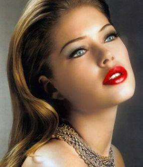 trucuri-ca-rujul-rosu-sa-arate-mai-bine-pe-buze-fii-si-tu-o-diva_size15