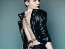 In paginile revistelor este aproape de perfectiune. Cum arata insa Miley Cyrus in costum de baie, fara niciun retus in Photoshop - FOTO