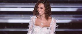 Cancan.ro: Aparitie fabuloasa a Madalinei Ghenea la Sanremo Romanca i-a innebunit pe italieni cu o tinuta de exceptie