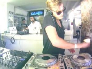 Momentul anului pentru cei mai buni DJ din lume. Cum s-au distrat Laura Cosoi si BOg in Ibiza