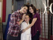 Sora mai mica a Selenei Gomez nu mai e o copila. Transformarea lui Maxine Russo din  Wizards of Waverly Place
