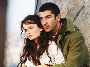 Serialul turcesc cu milioane de fani, Viata nedreapta, vine Acasa, incepand cu 29 iulie!