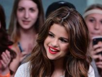 Selena Gomez s-a fotografiat in intimitatea casei si a publicat poza pe net. Cum arata vedeta proaspat iesi de la dus