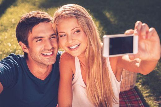 8 semne ca iubitul tau NU e genul care insala. Cum sa iti dai seama daca ai un iubit fidel