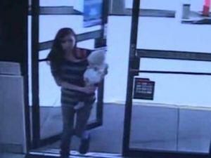 A vazut o mama cu bebelusul sau intrand in magazin si a realizat pe loc ce urma sa se intample