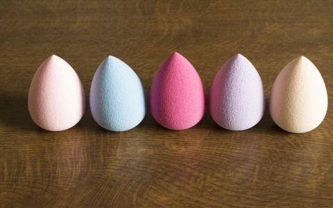 Cum folosesti beauty blender-ul, in functie de culoare