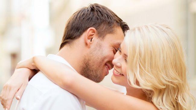 Stiluri de sarut pe care orice fata ar trebui sa le stie. Cum sa-l aduci pe culmile placerii
