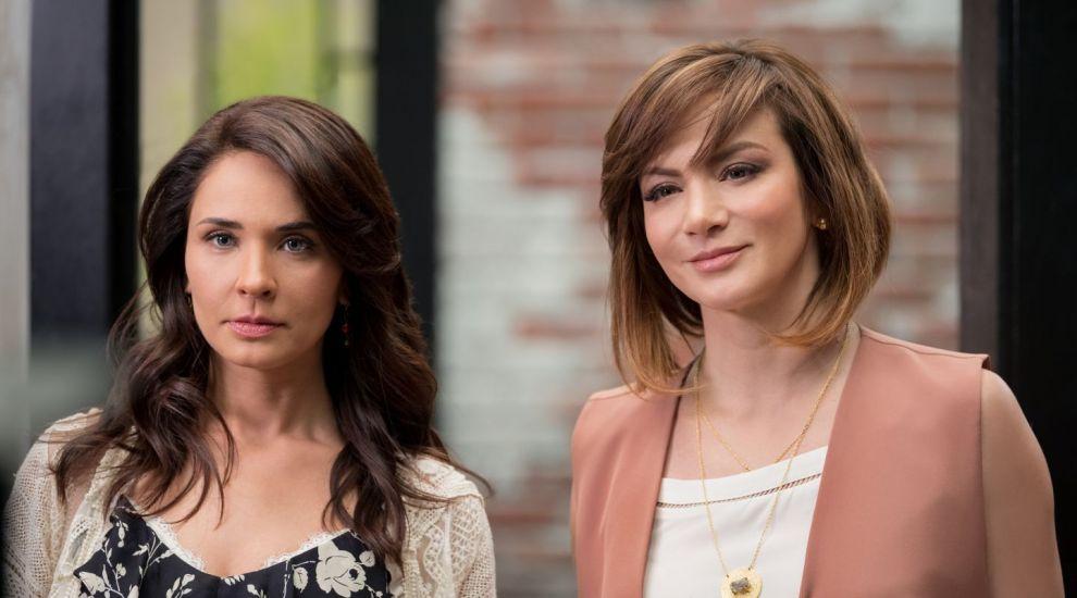 Tensiune între protagonistele serialului Inima nu cere voie. Silvia Navarro și Adriana Louvier, conflicte pe platourile de filmare