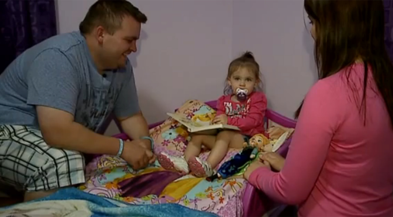 Au instalat un monitor in camera fetitei lor si au inghetat cand au auzit ce se intampla. Experienta traumatizanta a celor doi parinti