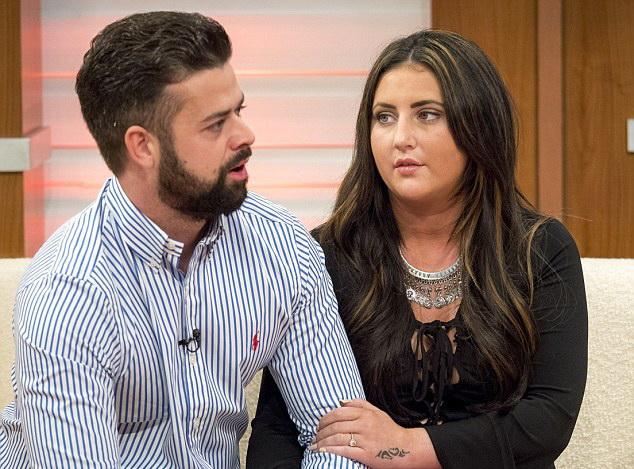 El a fost scut uman pentru iubita lui in atentatul din Tunisia, iar acum se pregateau de munta. Ce SMS a primit femeia de la logodnicul ei acum