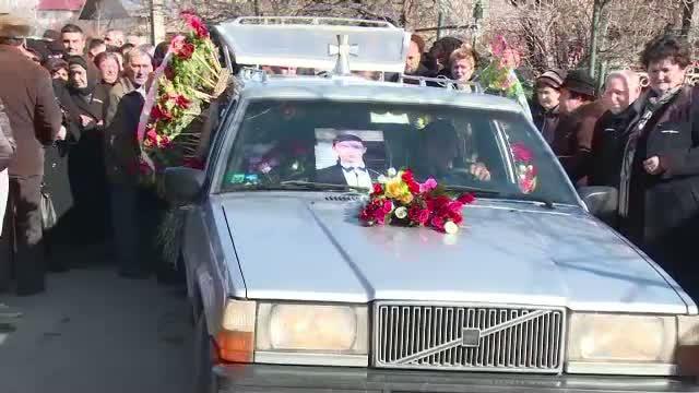 Ce s-a intamplat in timpul inmormantarii lui Cristian, elevul de 18 ani mort in cumplitul accident de pe soseaua de Centura a Ploiestiului