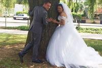 Fotografia de nunta, postata pe Facebook, l-a bagat direct la inchisoare. Povestea incredibila a unui soldat