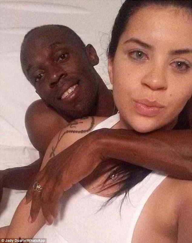 Bolt isi va depasi recordul la viteza cand va afla asta :) Cine este femeia cu care si-a inselat iubita chiar de ziua lui