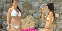 Inainte arata asa. Acum s-a lasat fotografiata la plaja, in bikini minusculi. Cum arata