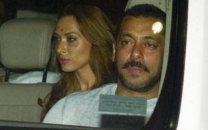 Salman Khan a cerut-o in casatorie. Ce scrie presa din India despre nunta cu Iulia Vantur