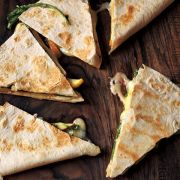 Quesadillas cu mar, Brie si rucola