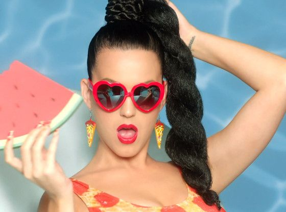 Katy Perry, regina transformarilor intr-un clip vesel si colorat. Cantareata lanseaza  This Is How We Do  - VIDEO