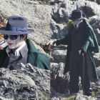 Johnny Depp, in rolul care l-a obsedat o viata intreaga. Primele imagini cu el in rol de vampir in Dark Shadows