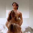 American Psycho (2000): Christian Bale a facut unul din cele mai socante roluri din cariera sa in American Psycho, din care n-au lispsit scene de sex in grup. Secventa in care Patrick, personajul sau, face sex cu doua prostituate dar se uita continua in oglinda pentru a se admira, a intrat in istorie.