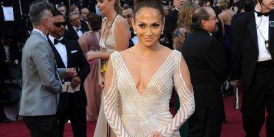 Cele mai urate 40 de rochii din istoria Oscarurilor:  cine sunt vedetele care s-au facut de ras cu aparitii dezastruoase