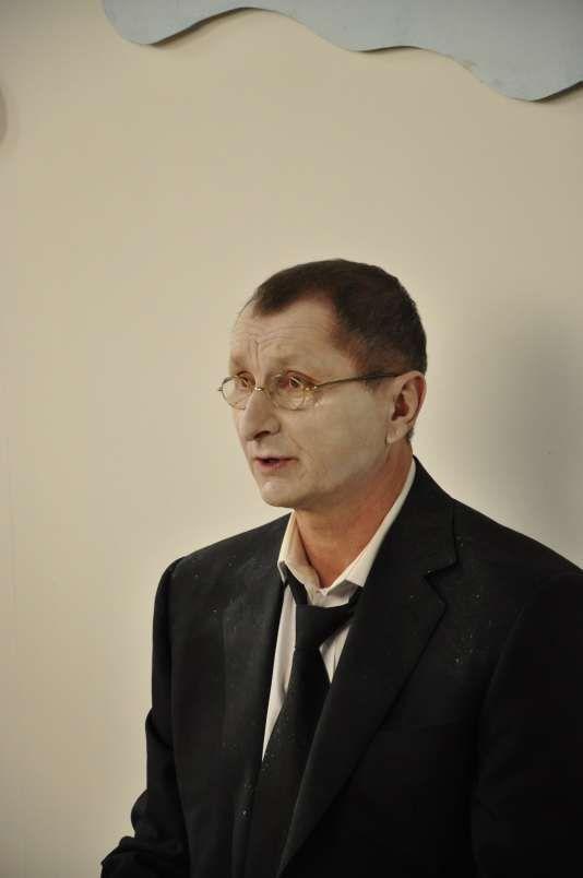 Horatiu Malaele canta pentru prima data in cariera sa in Funeralii Fericite