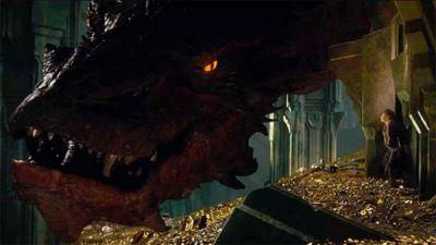 Smaug, dragonul din The Hobbit, a pus stapanire pe Piata Unirii