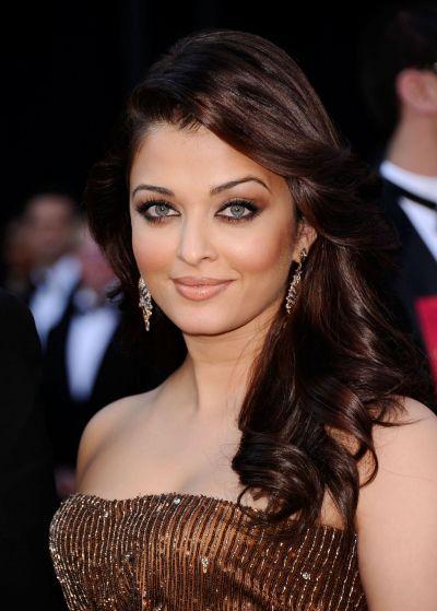 Aishwarya Rai, simbolul frumusetii indiene: criticata ca e prea grasa, actrita a slabit enorm si este la fel de frumoasa. Transformarea celei mai cunoscute actrite de la Bollywood