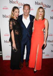 Kevin Costner a lansat un nou film, Black and White: actorul a venit insotit de fiica si sotia sa, mai tanara cu 20 de ani