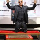 Vin Diesel, onorat de Hollywood: actorul si-a lasat amprentele in cimentul de la celebrul Chinese Theatre