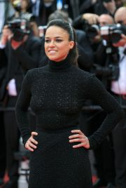 Michelle Rodriguez, intr-o rochie transparenta la ceremonia de inchidere de la Cannes: cum a atras atentia actrita din Fast and Furious
