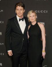 """S-au cunoscut la filmarile pentru """"On the Road"""" si de atunci sunt de nedespartit. Kirsten Dunst si Garrett Hedlund s-au logodit"""