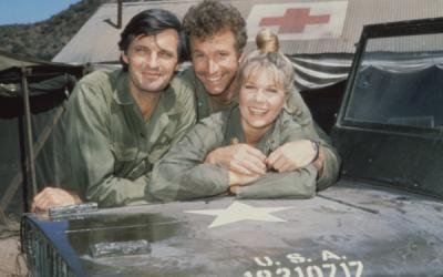 A murit starul serialului MASH, interpretul chirurgului  Trapper  John McIntyre. Wayne Rogers avea 82 de ani