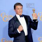 Sylvester Stallone a castigat primul Glob de Aur dupa 40 de ani de cariera cu rolul din al saptelea film  Rocky .  Multumesc acestui bun prieten imaginar, Rocky Balboa