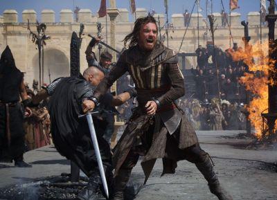 Michael Fassbender lauda filmul Assassin rsquo;s Creed si il compara cu The Matrix. Dezvaluirile facute de actor despre filmul asteptat de milioane de fani