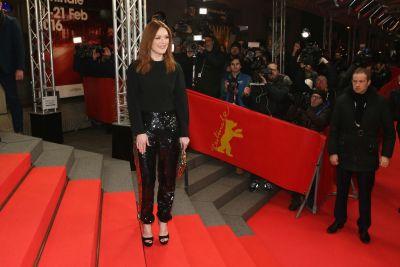 Julianne Moore si Emma Thompson au impresionat la Festivalul de Film de la Berlin. Tinutele cu care au acaparat atentia