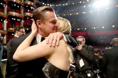 OSCAR 2016. Momentele serii: reactia lui Kate Winslet dupa ce DiCaprio a luat Oscarul si cel mai controversat moment al galei