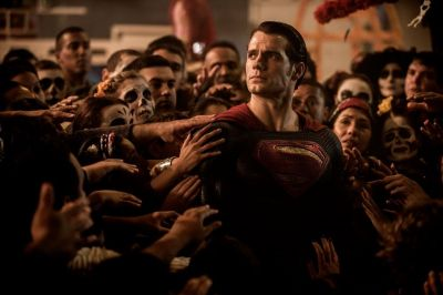 Batman Vs. Superman: Zorii Dreptatii, cel mai bun debut din istorie al unui film cu supereroi. Incasarile uriase inregistrate in primul weekend la nivel global
