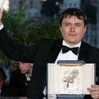 Trei regizori romani, in selectia Festivalului de Film de la Cannes: Cristian Mungiu si Cristi Puiu se lupta pentru marele trofeu Palme d Or