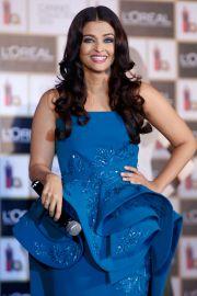 Aishwarya Rai, cea mai indragita actrita indiana, continua sa cucereasca fanii cu frumusetea ei. Aparitia din acest an de la Cannes