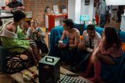 """""""Selfie69"""", sequelul filmului de succes """"Selfie"""", are premiera pe 16 septembrie. Loredana, Antonia sau Razvan Fodor apar alaturi de Maia Morgenstern si Razvan Vasilescu. VIDEO"""