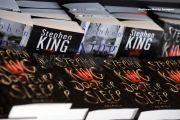 """""""The Dark Tower"""", o serie fantasy la care Stephen King a lucrat timp de 3 decenii, va avea efecte vizuale spectaculoase. In rolurile principale, doi actori celebri"""