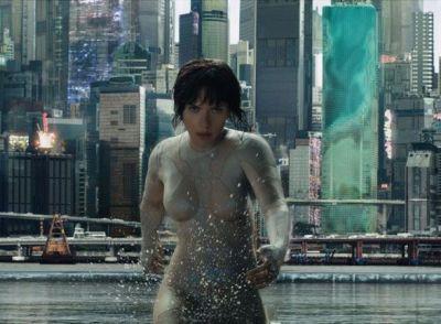 Primul trailer pentru  Ghost in The Shell . Scarlett Johansson este un cyborg sexy in adaptarea uneia dintre cele mai indragite povesti manga