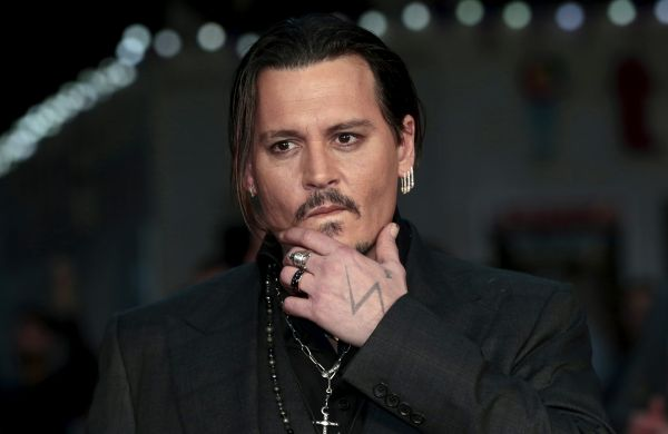 Johnny Depp se indreapta spre faliment, desi avea o avere uriasa. Suma uriasa pe care o cheltuie actorul pe luna