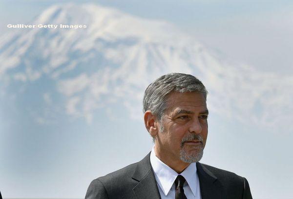 De ziua lui George Clooney, ProCinema sarbatoreste cu un film de Oscar: Descendentii!