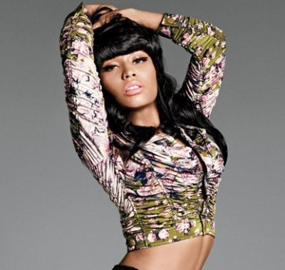 [POZE] Nicki Minaj sexy si provocatoare in ELLE!